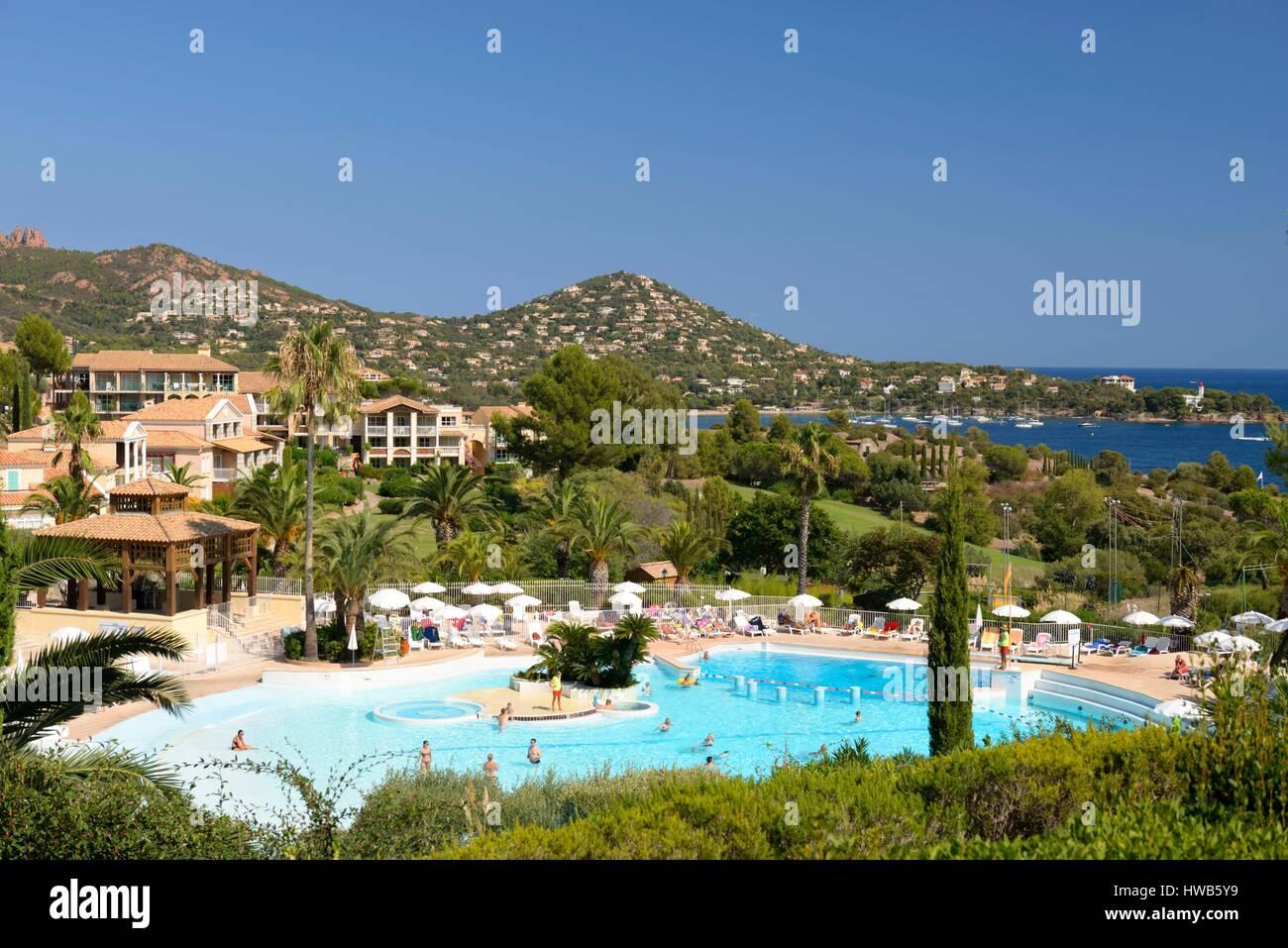 La france var saint raphael cap esterel maison de - Residence vacances var avec piscine ...
