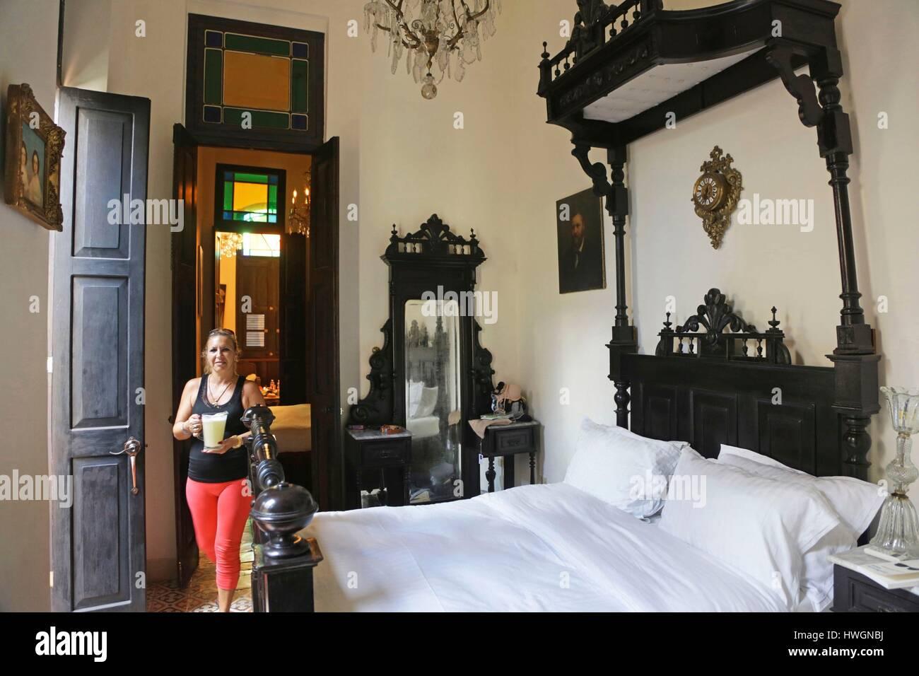 Cuba, La Havane, La Vieille Havane, décoration coloniale, chambre ...