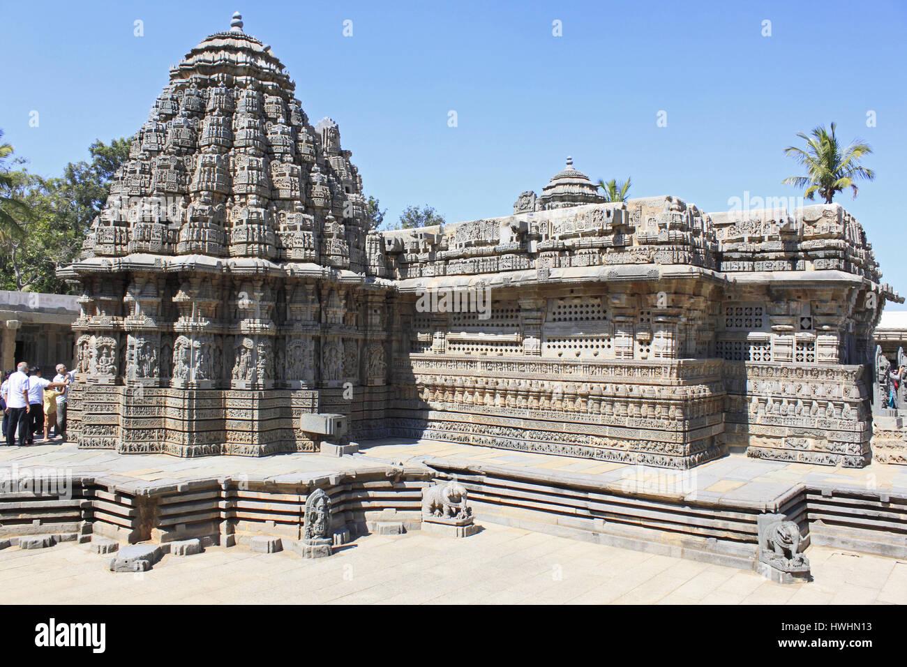 Vue du sud-est du temple principal , mettant en vedette l'dans la conception et leurs tours suivent le même modèle, la structure ressemble à une progression rythmique o Banque D'Images