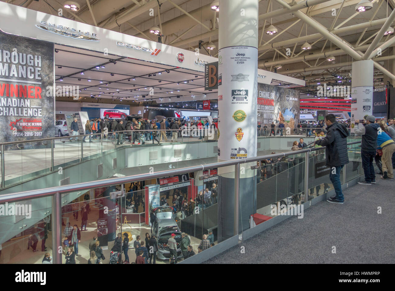 Le Fiat Chrysler Automobiles (FCA) Kiosque d'exposition au Salon International de l'Auto 2017 Toronto Canada Photo Stock