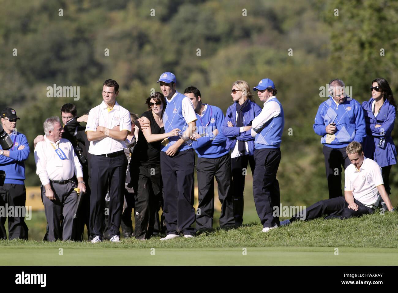 Des moments de tension sur le 15ème green joueurs européens joueurs européens Celtic Manor Resort Photo Stock