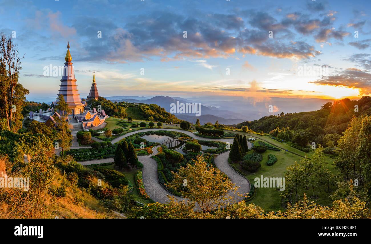 Le parc national de Doi Inthanon quand le coucher du soleil, Chiang Mai, Thaïlande Photo Stock