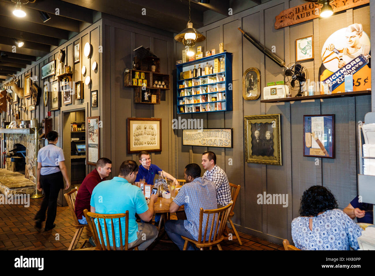 Stuart Florida Cracker Barrel Old Country Store restaurant table d ...