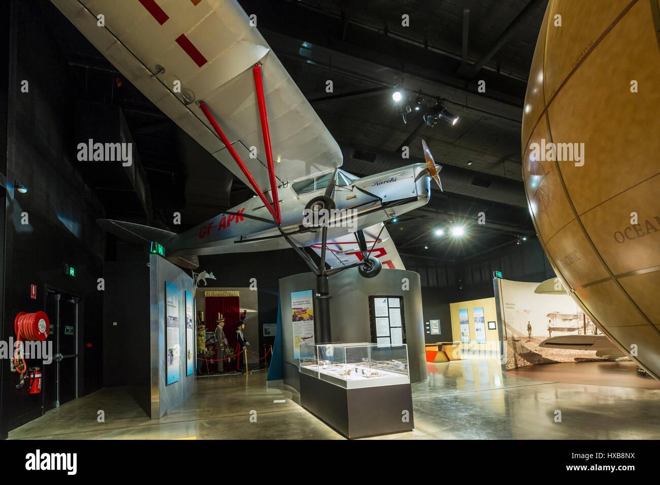 Y compris l'aéronef réplique Puss Moth et des expositions interactives à l'intérieur Photo Stock