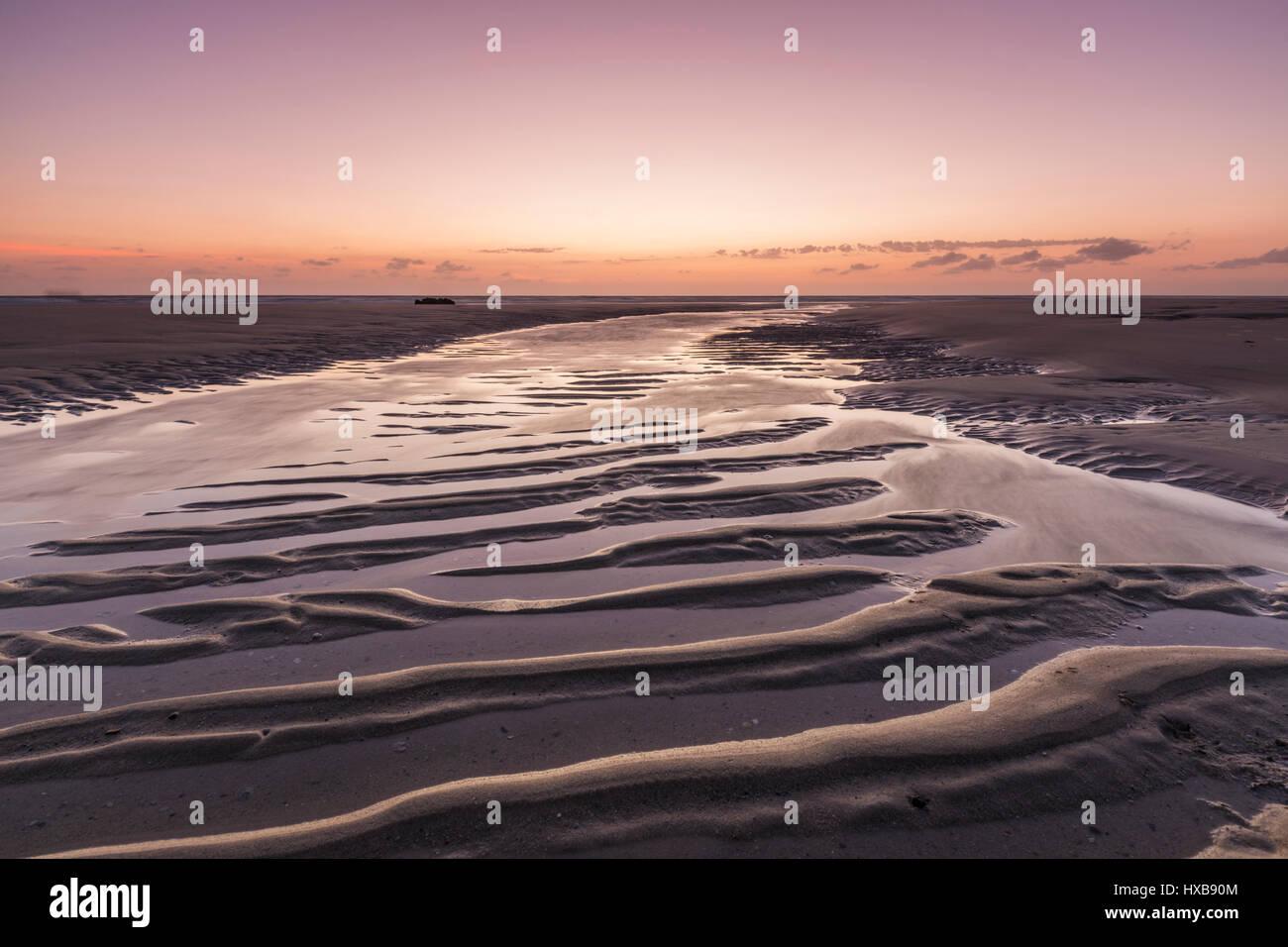 Vue le long des sables de Elliot chefs à l'aube, Bundaberg, Queensland, Australie Banque D'Images