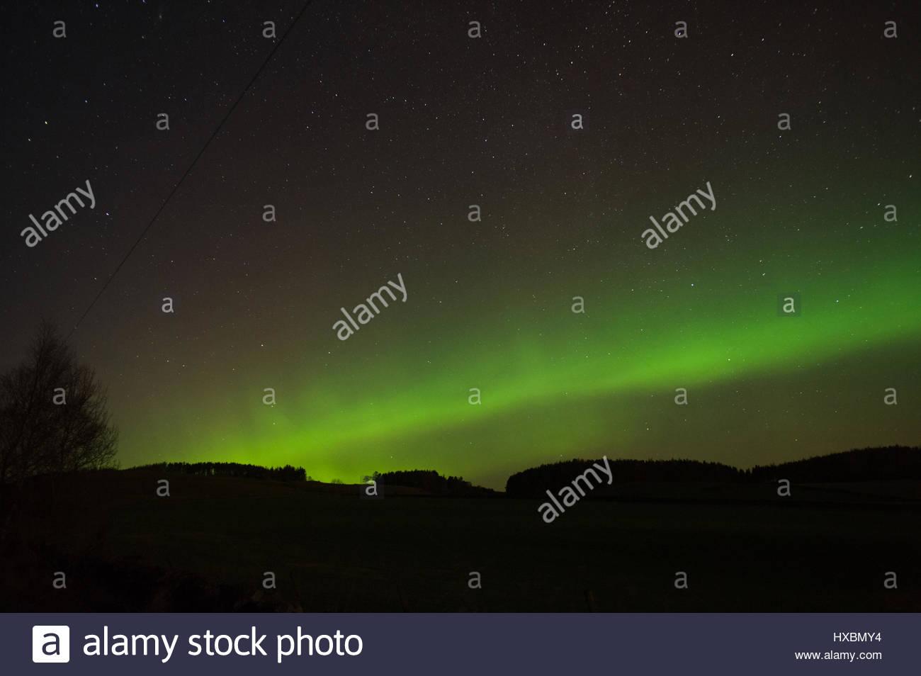 Aurora Borealis arc vert écossais d'hiver de l'ouest actif Deeside Aberdeenshire prises le 31 décembre, Photo Stock