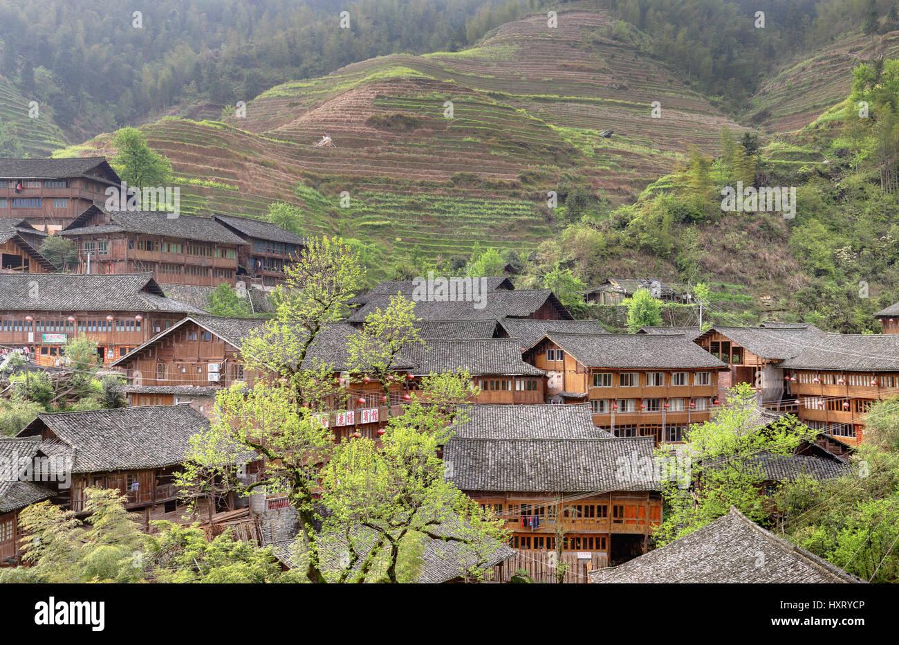 Village Pingan, Province du Guangxi, Chine - 5 Avril 2010: l'Asie de l'Est, dans les paysages montagneux Photo Stock