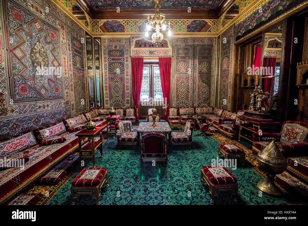 Salon Turc Dans Le Palais Peles, Ancien Château Royal, Construit Entre 1873  Et 1914