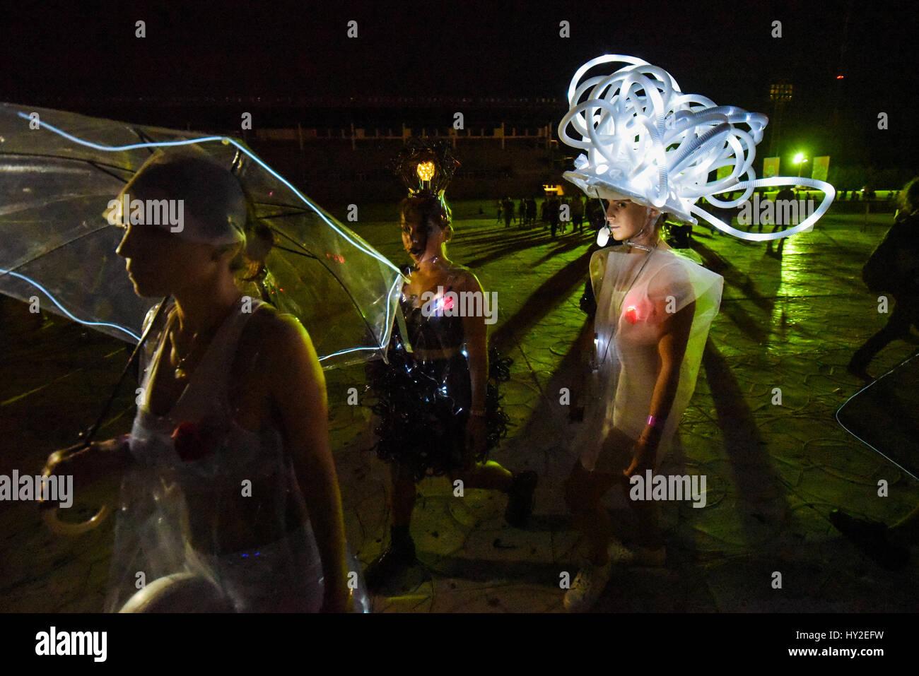 Buenos Aires, Argentine. 31 mars, 2017. Fashion Show 2017 18/12/06 pendant la fête de la musique. Crédit: Photo Stock