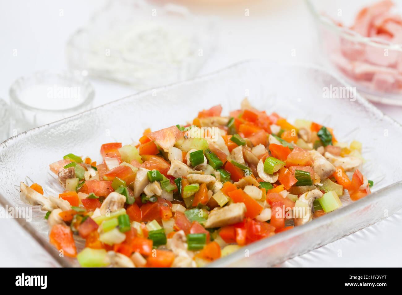 Préparation: Omelette légumes sautés fraîchement Photo Stock