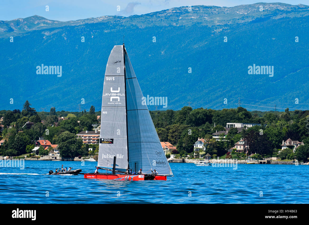 Bateau à voile La voile jusqu'à l'équipe de SUI 5 sur le Lac Léman, Bol d'Or Mirabaud Photo Stock