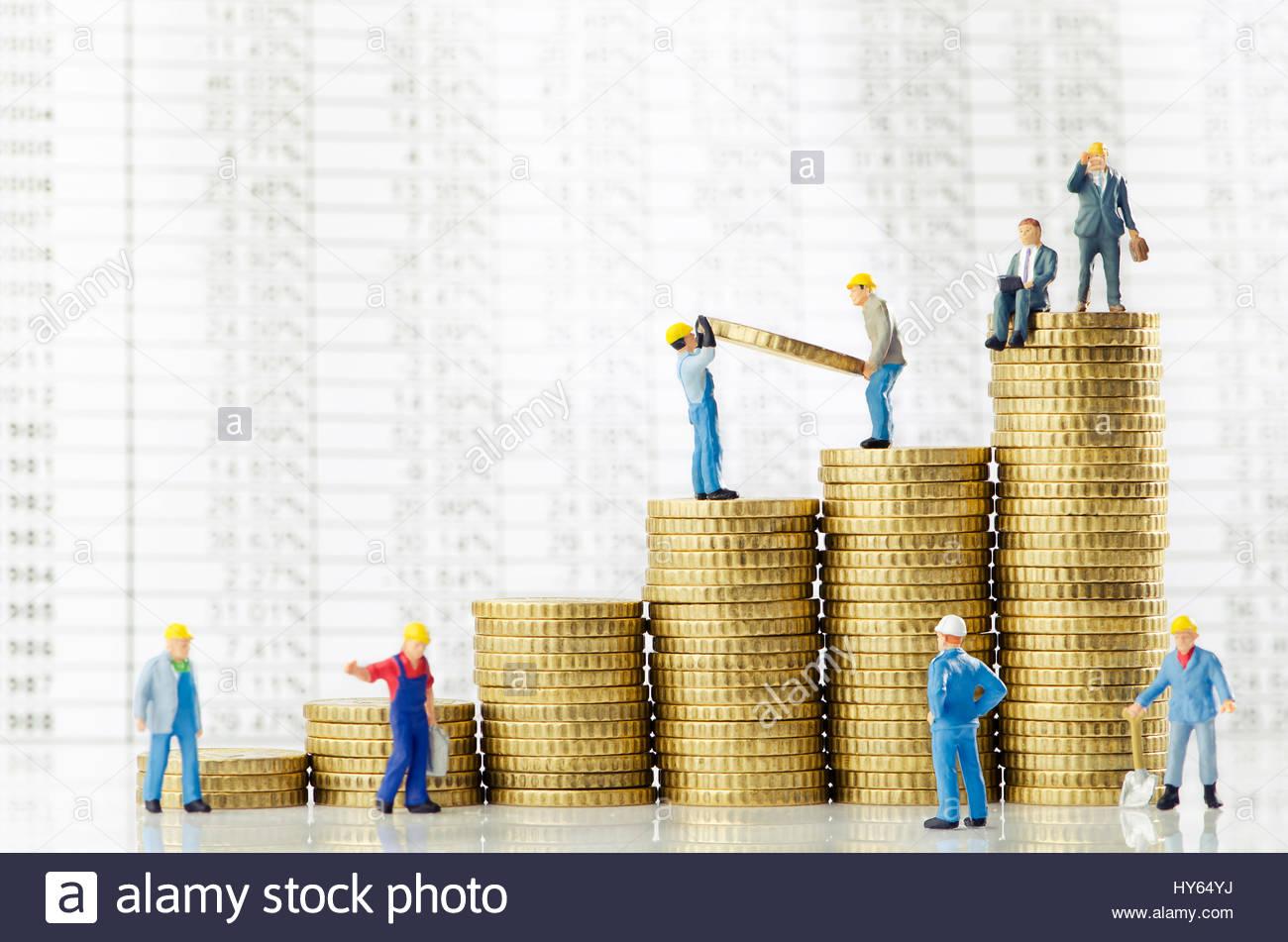 La création d'hommes de travail la croissance de l'entreprise Photo Stock