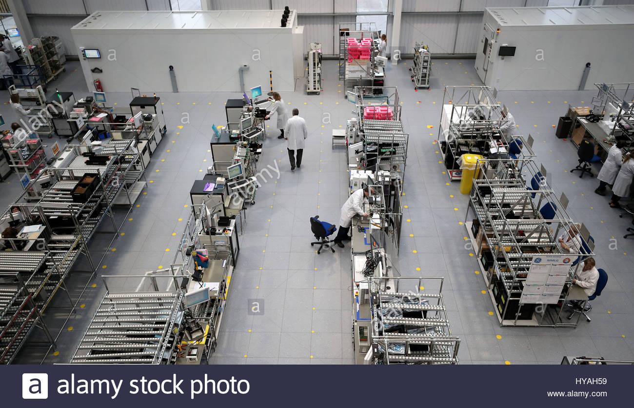 Photo de fichier en date du 23/01/17 d'une usine. La production manufacturière a reculé pour s'établir Photo Stock
