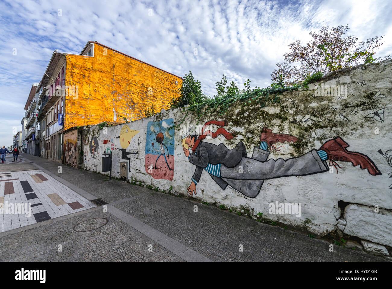 Peinture murale par David Pintor sur la rue Miguel Bombarda à Massarelos paroisse civile de Porto, deuxième ville Banque D'Images