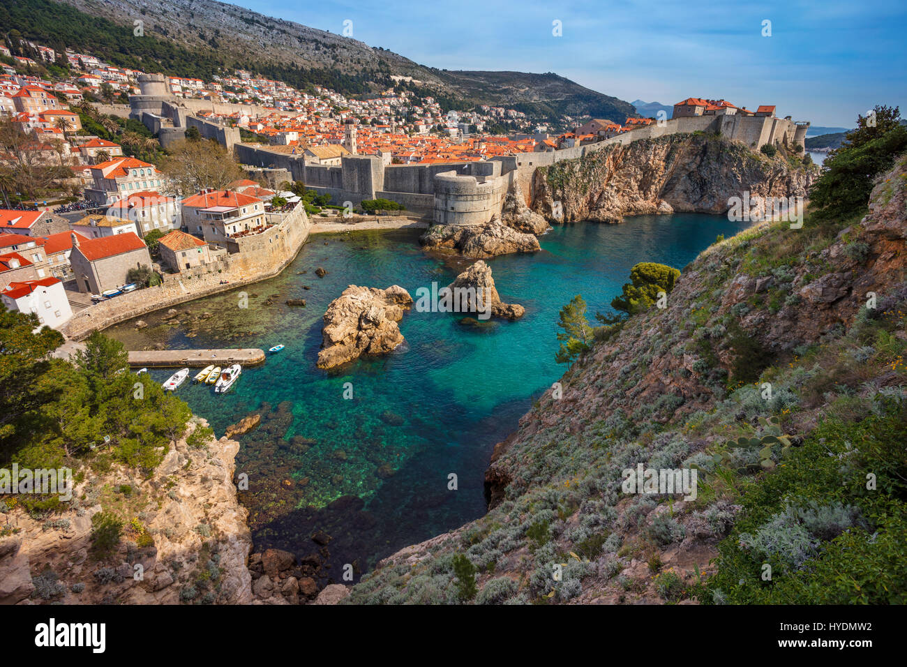 Dubrovnik, Croatie. Belle romantique vieille ville de Dubrovnik pendant les jours ensoleillés. Photo Stock
