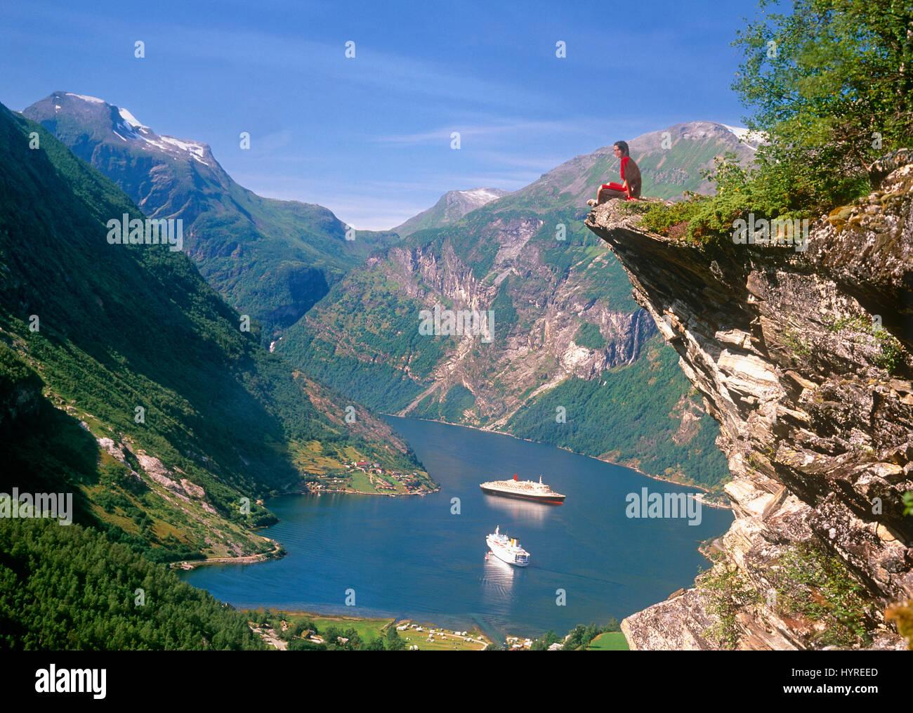 Les navires de croisière dans le Geirangerfjord, More og Romsdal (Norvège) Photo Stock