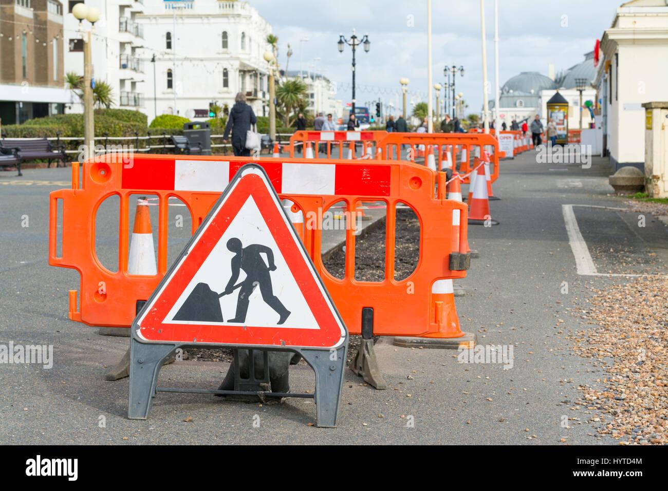 Le pavage de la chaussée bloqué par travaux publics sur un chemin au Royaume-Uni. Photo Stock