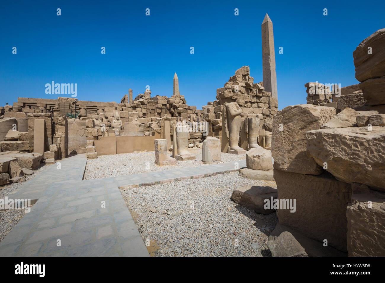 Ruines du temple de Karnak à Louxor. L'Égypte Photo Stock