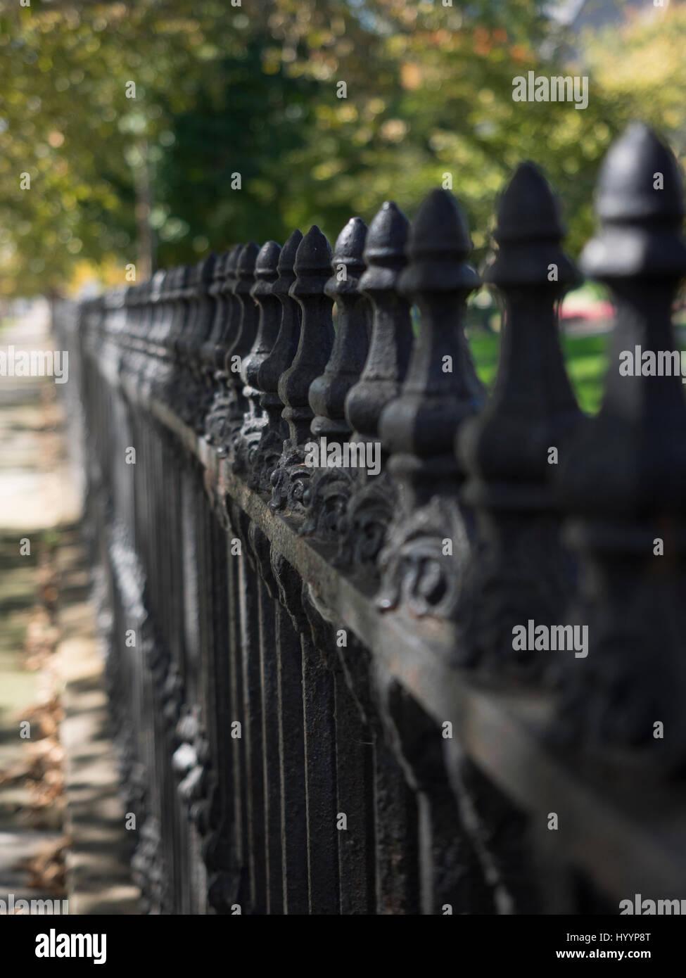 Clôture de jardin en fer forgé Banque D\'Images, Photo Stock ...
