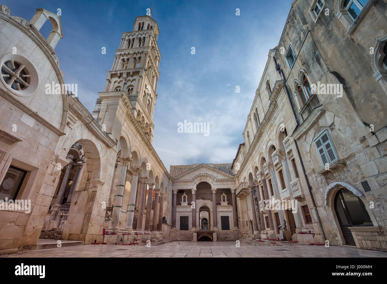 Split. Belles rues romantiques de la vieille ville de Split au cours de journée de printemps. Photo Stock