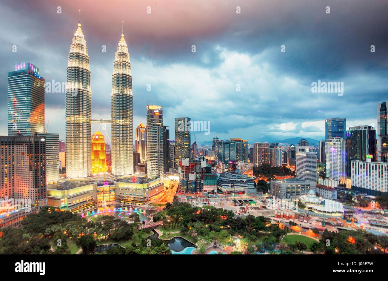 Kuala Lumper skyline au crépuscule, la Malaisie Photo Stock