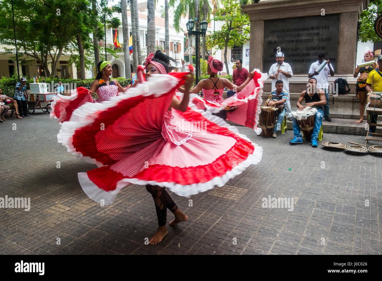 La danse traditionnelle dans la région de Carthagène, Colombie Photo Stock