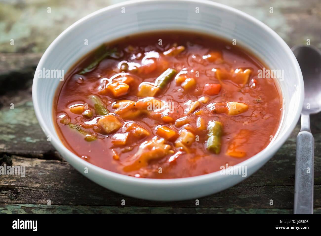 Soupe aux tomates en conserve italienne Photo Stock