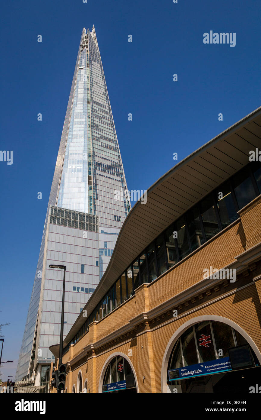 Le Shard et la Station London Bridge, Londres, Angleterre Photo Stock