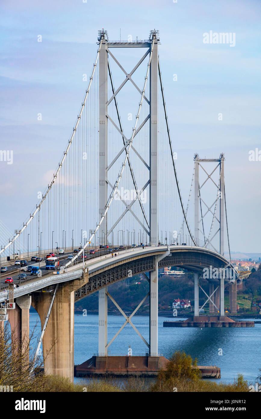 Avis de Forth Road Bridge de South Queensferry, Ecosse, Royaume-Uni Banque D'Images