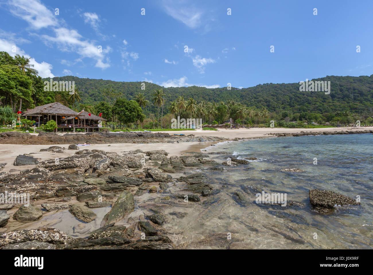 Bamboo Bay Beach à Koh Lanta Yai, province de Krabi, Thaïlande, Asie du Sud-Est Banque D'Images