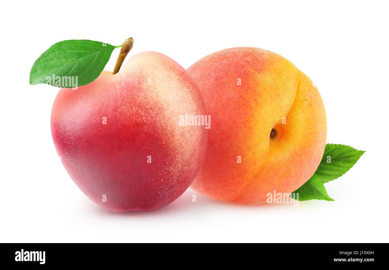 Fruits isolés. Ensemble avec des feuilles de pêches et de nectarines isolé sur fond blanc avec clipping Photo Stock