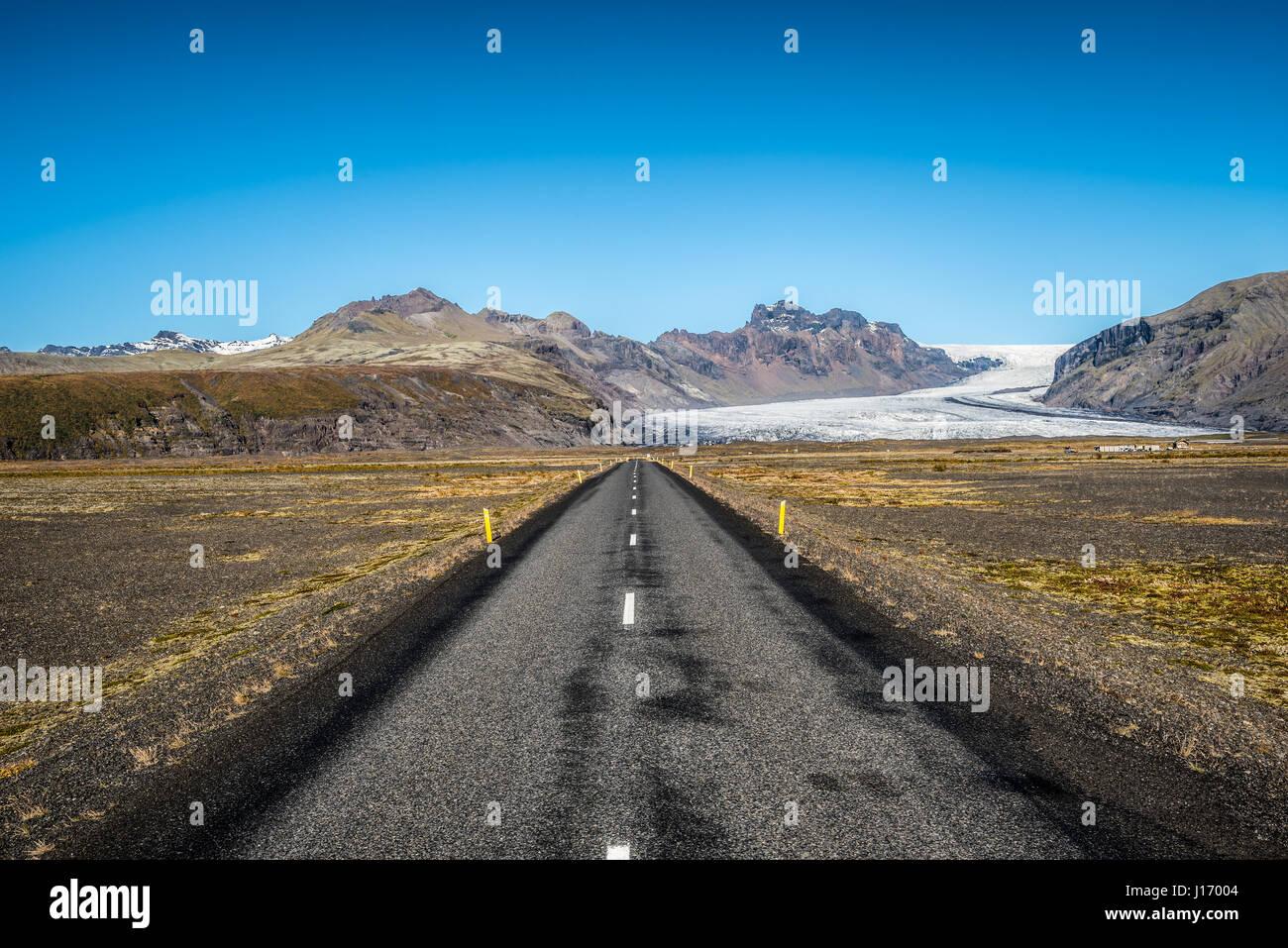 Célèbre ring en conduisant à l'Islande Vatnajokull, également connu sous le nom de Glacier Photo Stock