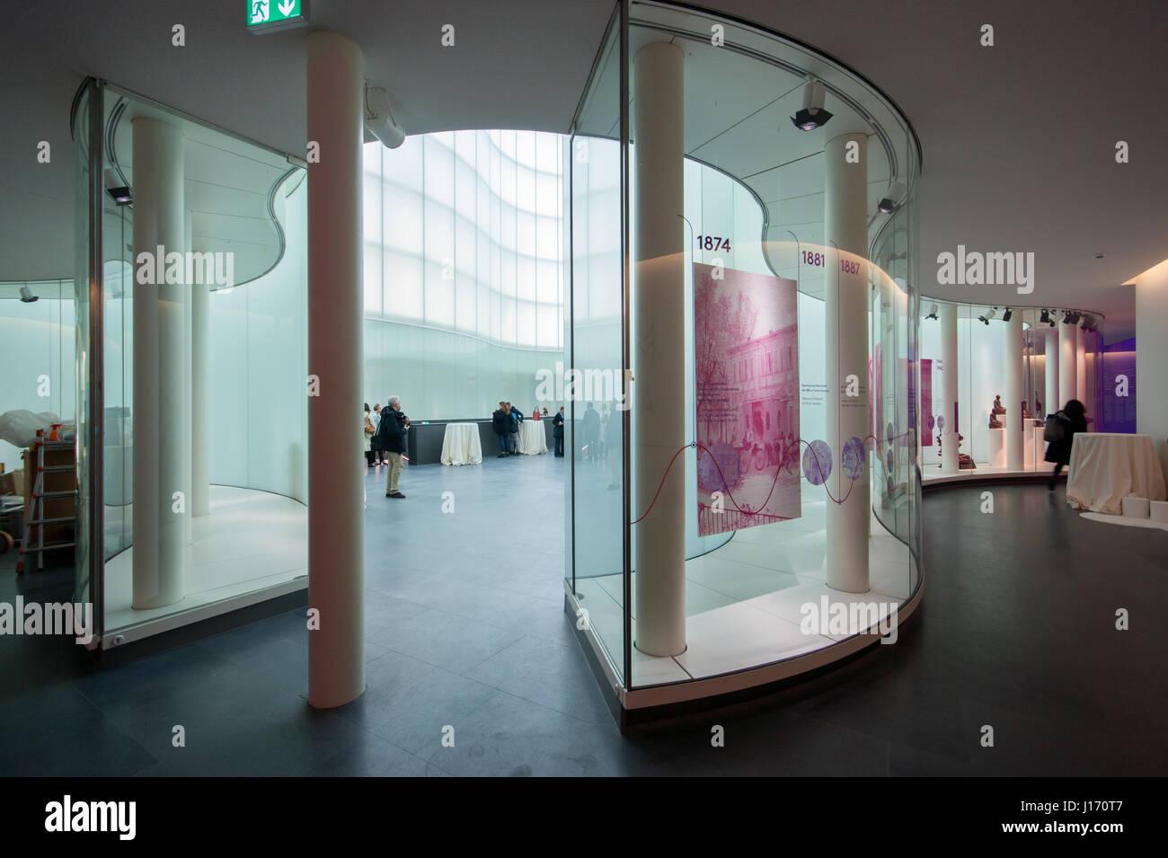 MUDEC - Musée des Cultures à Milan, conçu par David Chipperfield Architects - couverts plaza et murs Photo Stock
