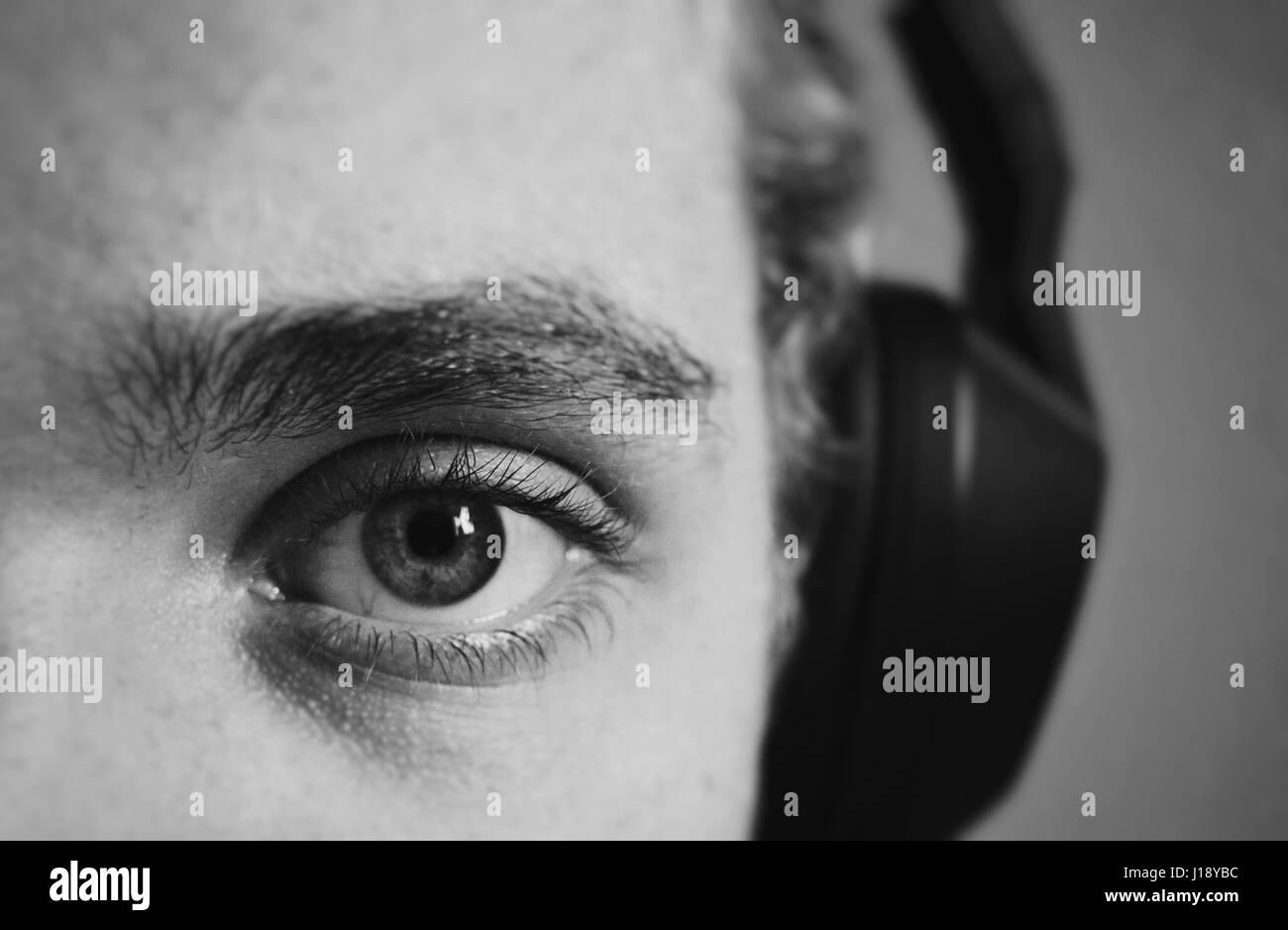 Les yeux se trouve. Pris un jour morne avec personne d'autre autour. Photo Stock