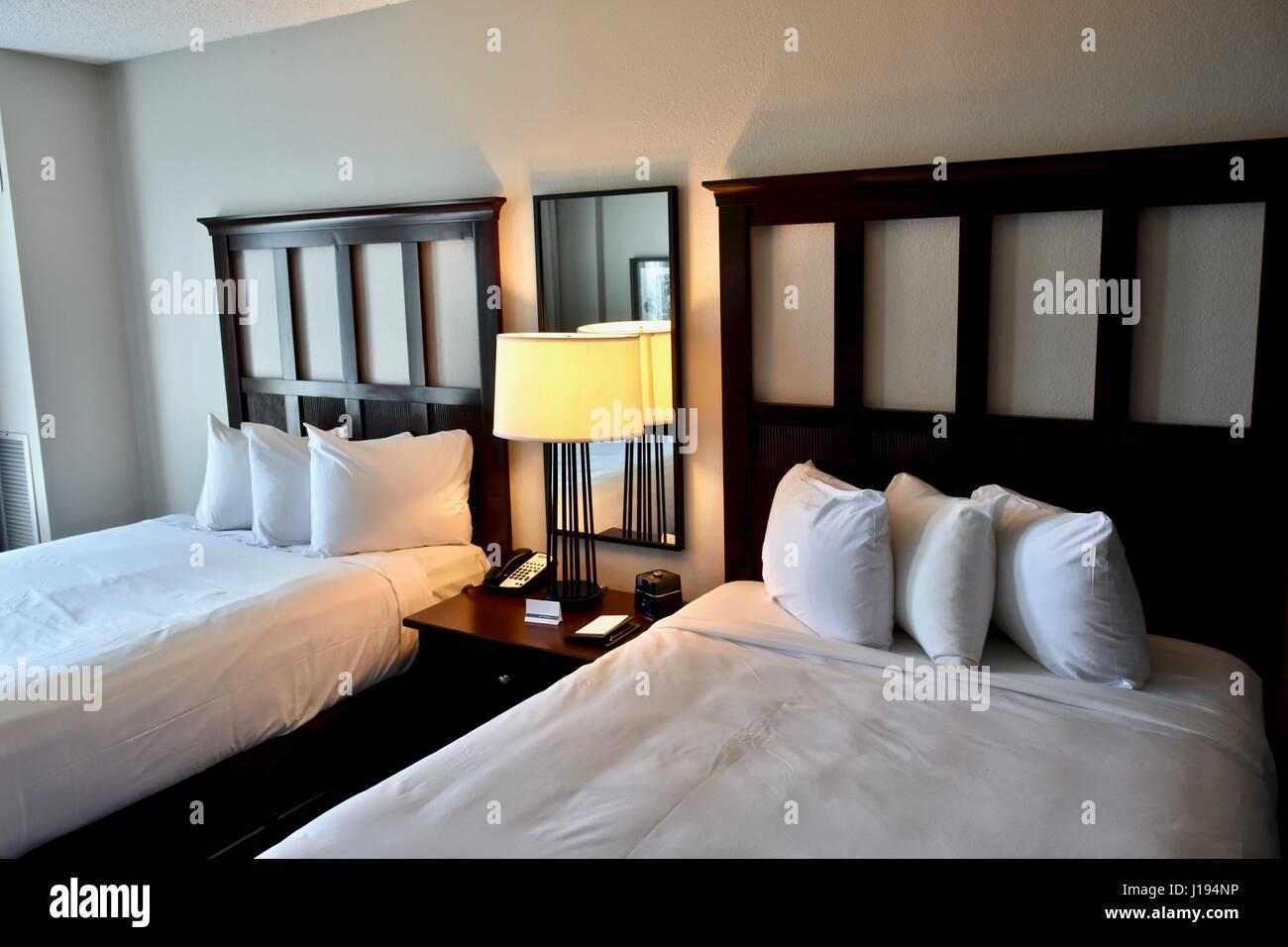 Hotel Moderne De Luxe Avec 2 Lits Doubles Banque D Images Photo