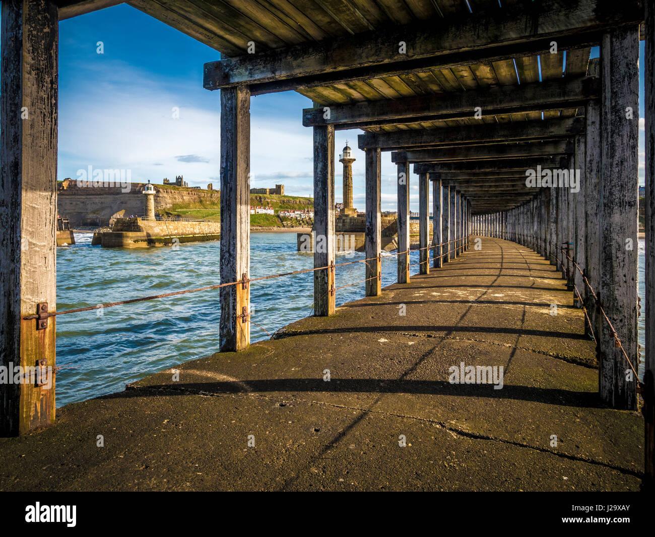 West Pier à Whitby, au Royaume-Uni. Photo Stock