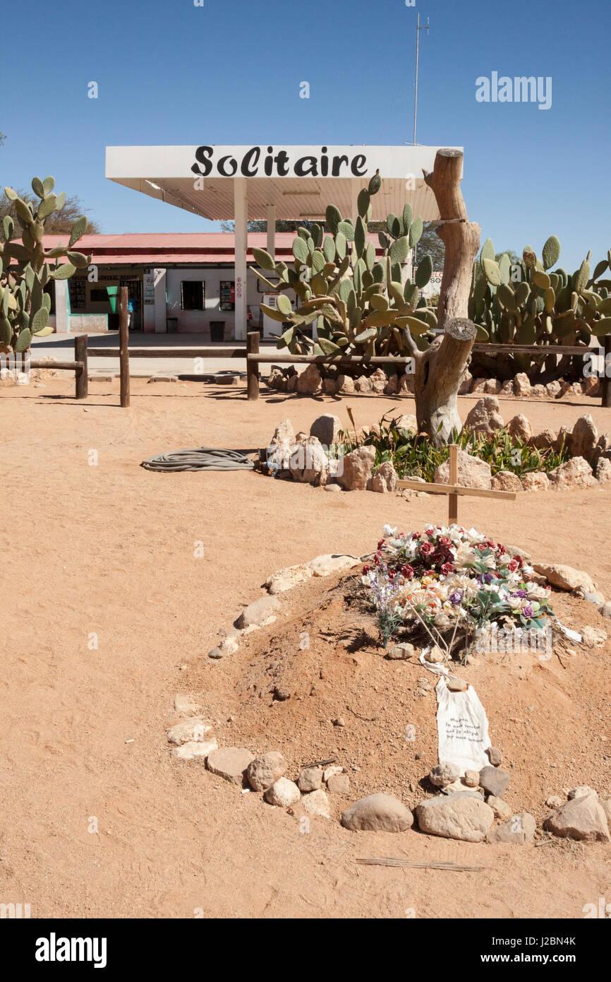 L'Afrique, la Namibie, Solitaire, Solitaire Country Lodge. Tombe en dehors de lodge. En tant que crédit: Photo Stock