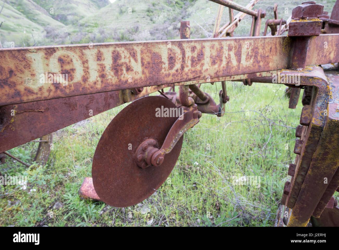 Ancienne exploitation agricole John Deere de mettre en œuvre dans l'Est de Washington. Photo Stock