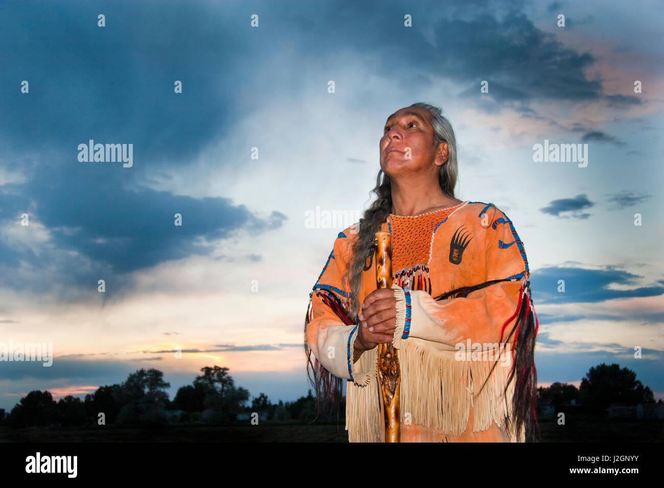 La amérindienne en habillé ghost un chemise homme médecine utilise 55AZq4xrw