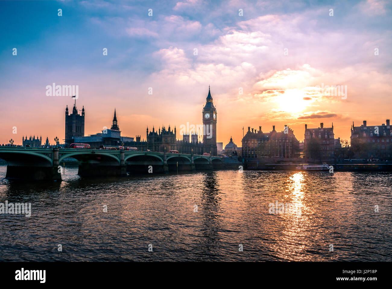 Big Ben, Houses of Parliament, Westminster Bridge, Thames, Coucher de soleil, City of Westminster, London, Londres, Photo Stock