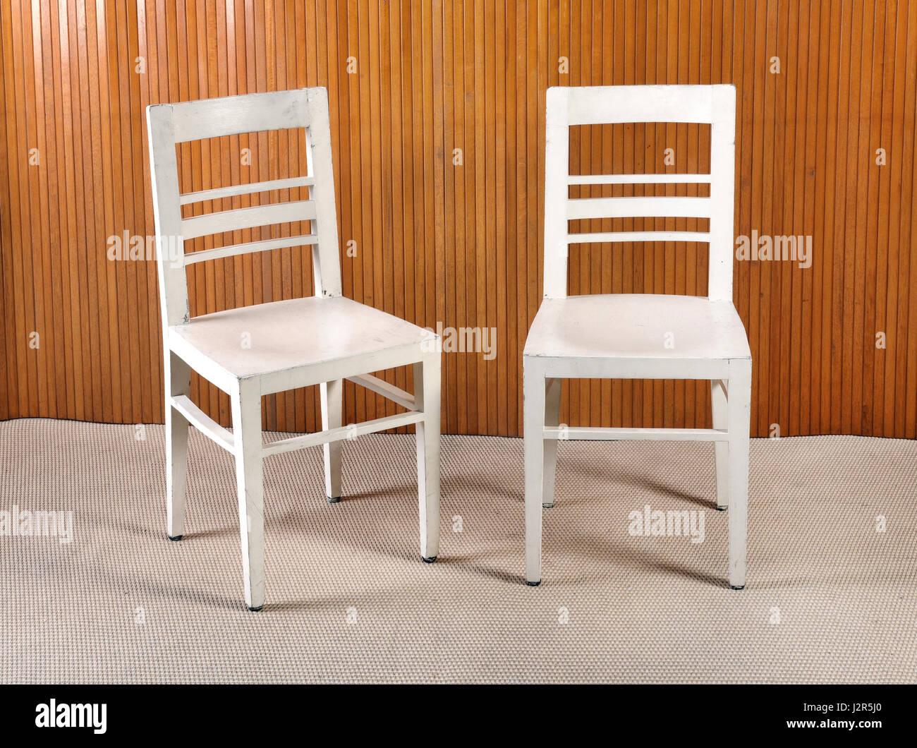Salle Chaise De Bois Peint Deux À Ou En Simple Blanc Ordinaire DEbIWHYe29
