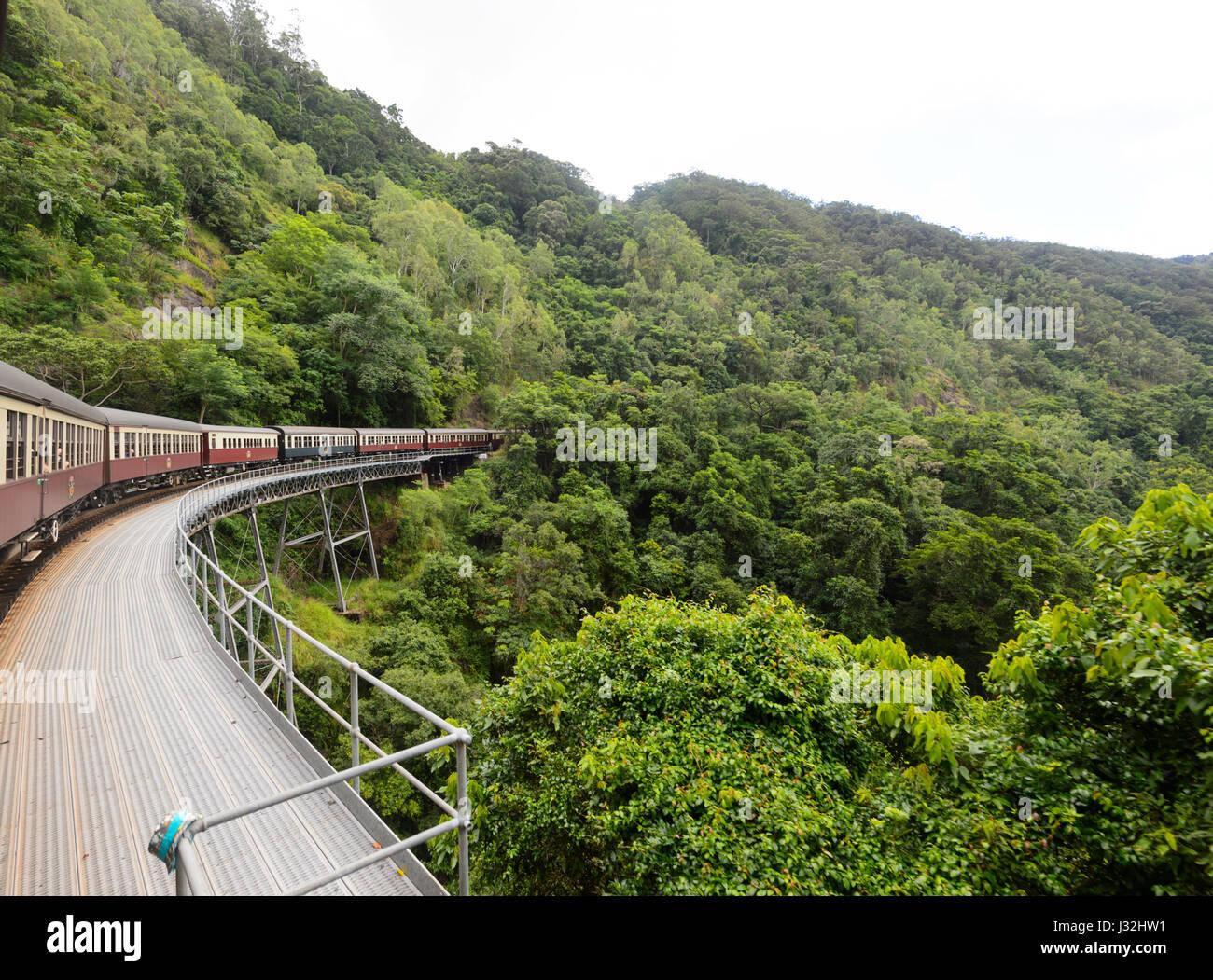 Kuranda Scenic Railway train historique, près de Cairns, l'extrême nord du Queensland, Australie, Photo Stock