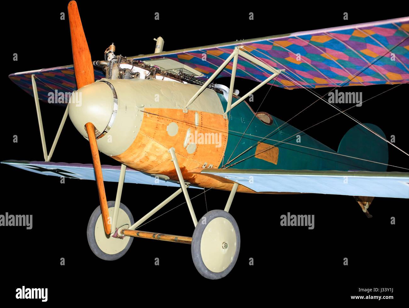 Avion de chasse Albatros allemand de la Première Guerre mondiale, isolated on black Banque D'Images