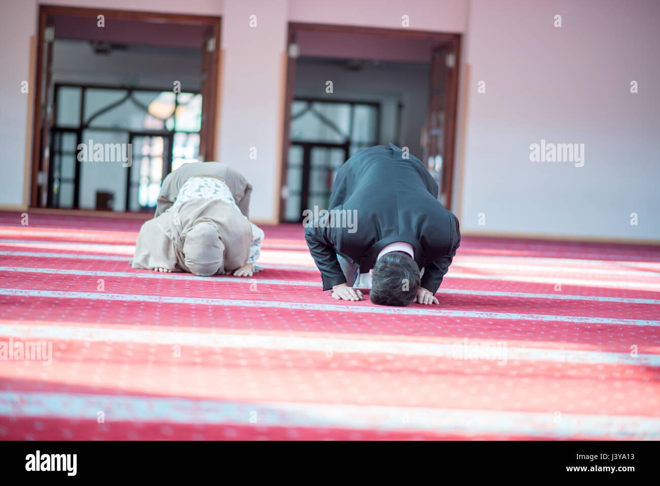 Fille musulmane datant d'un garçon hindou