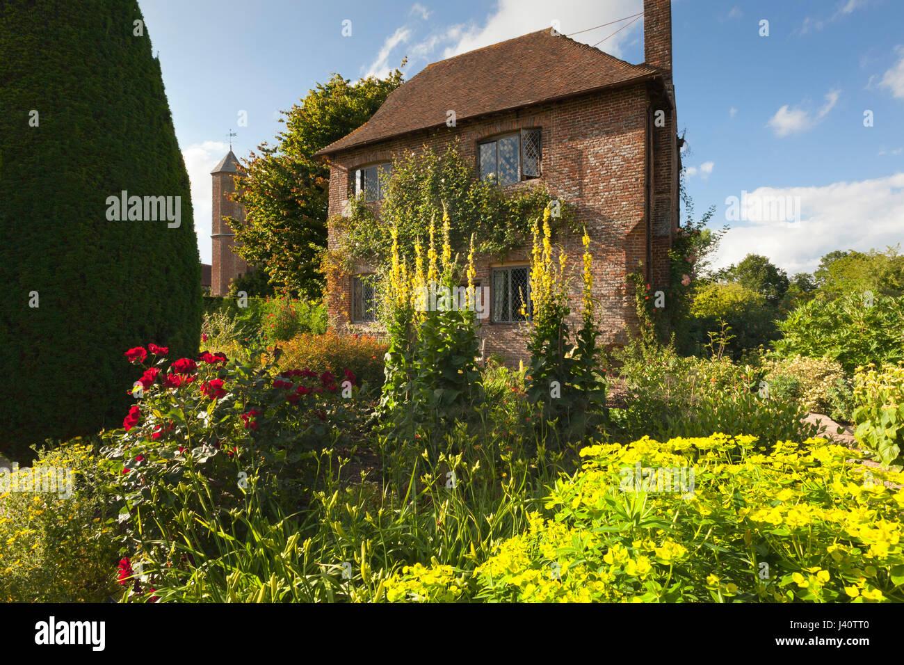 Chalet jardin, Jardins du Château de Sissinghurst, Kent, Grande ...