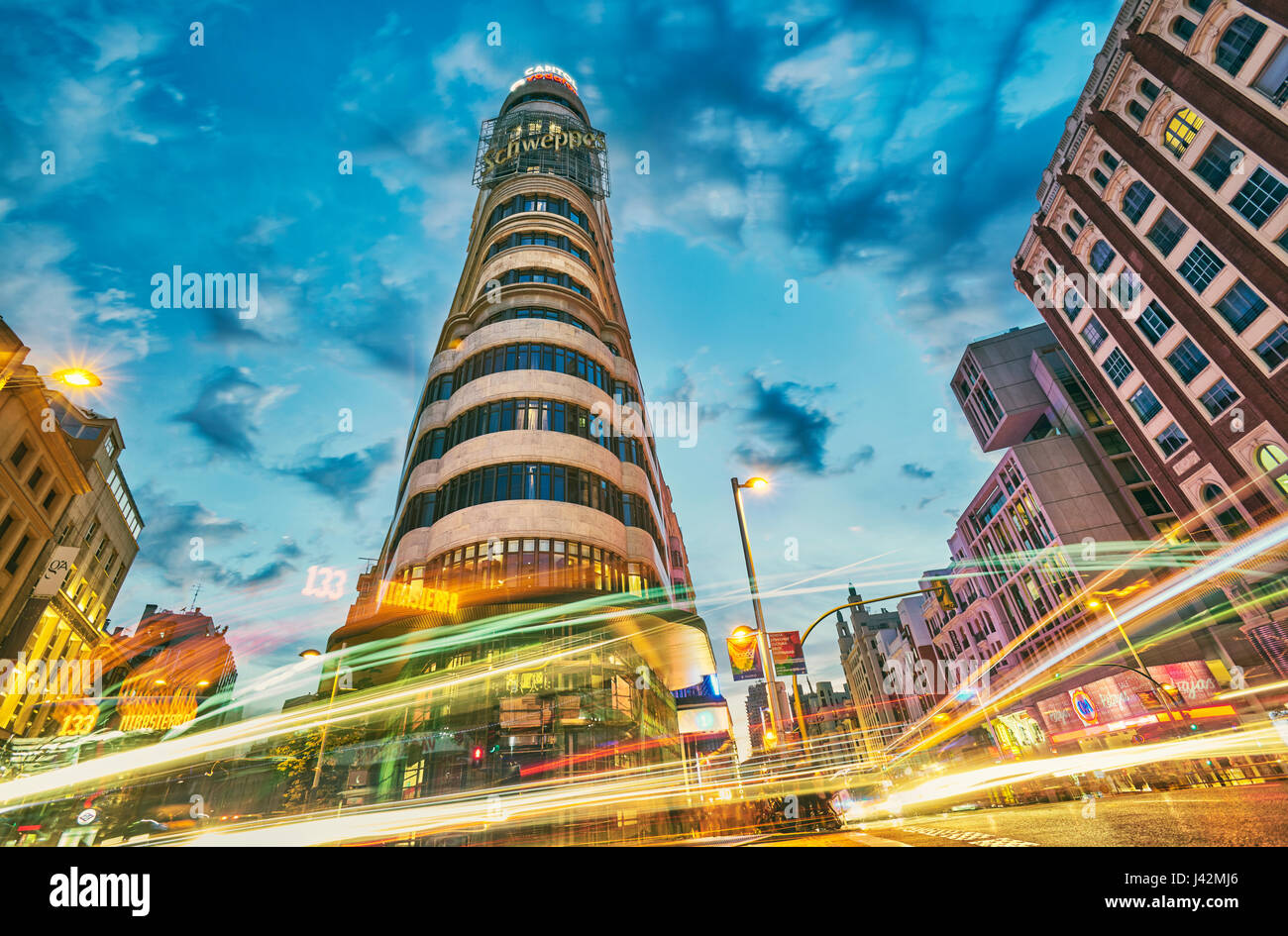 Low angle view of Carrion bâtiment à Callao square. Madrid. L'Espagne. Photo Stock