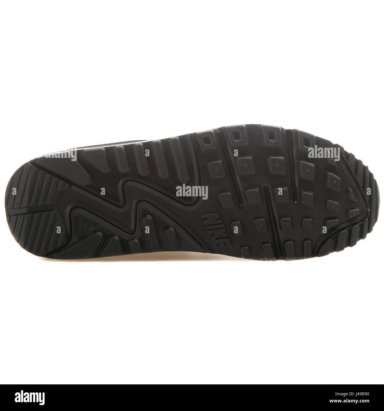 wholesale dealer 91e75 fd06c Nike Air Max 90 GS (LTR) noir - 724821-001 Photo Stock