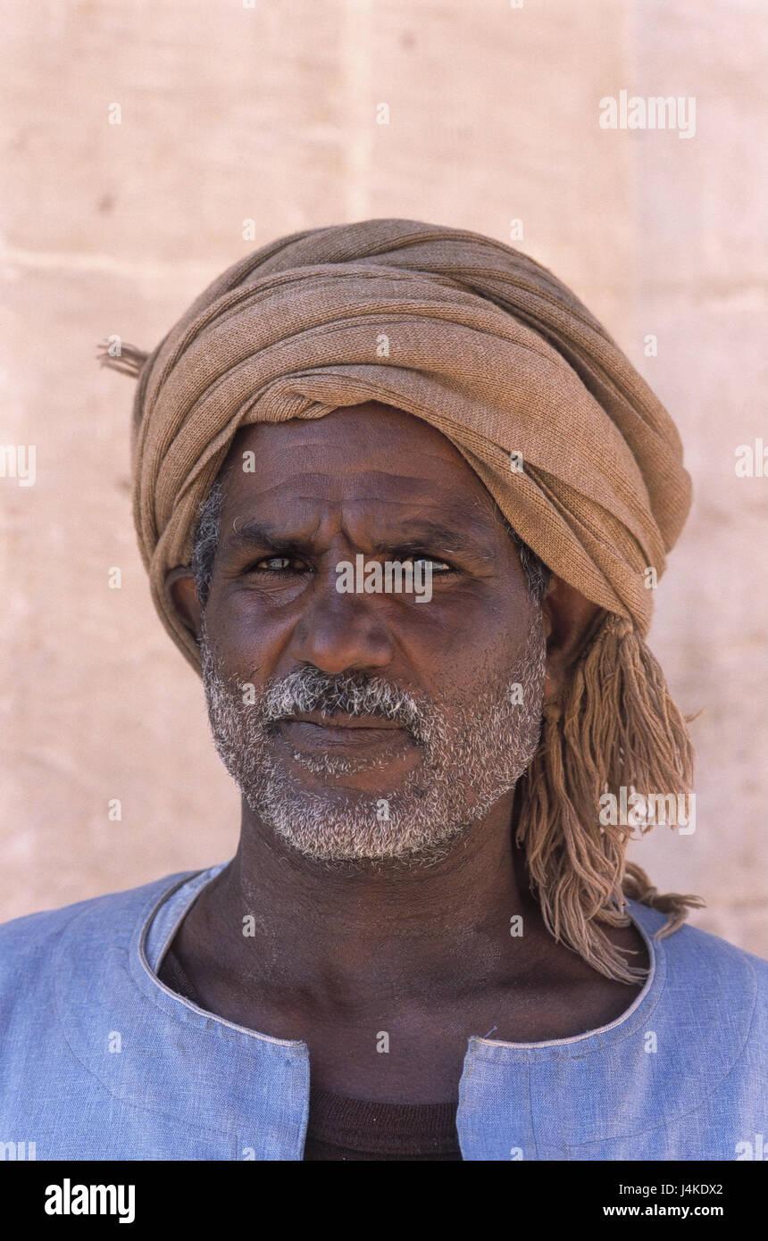 Turban Egyptien Portrait Modele Ne Liberation A L Exterieur L