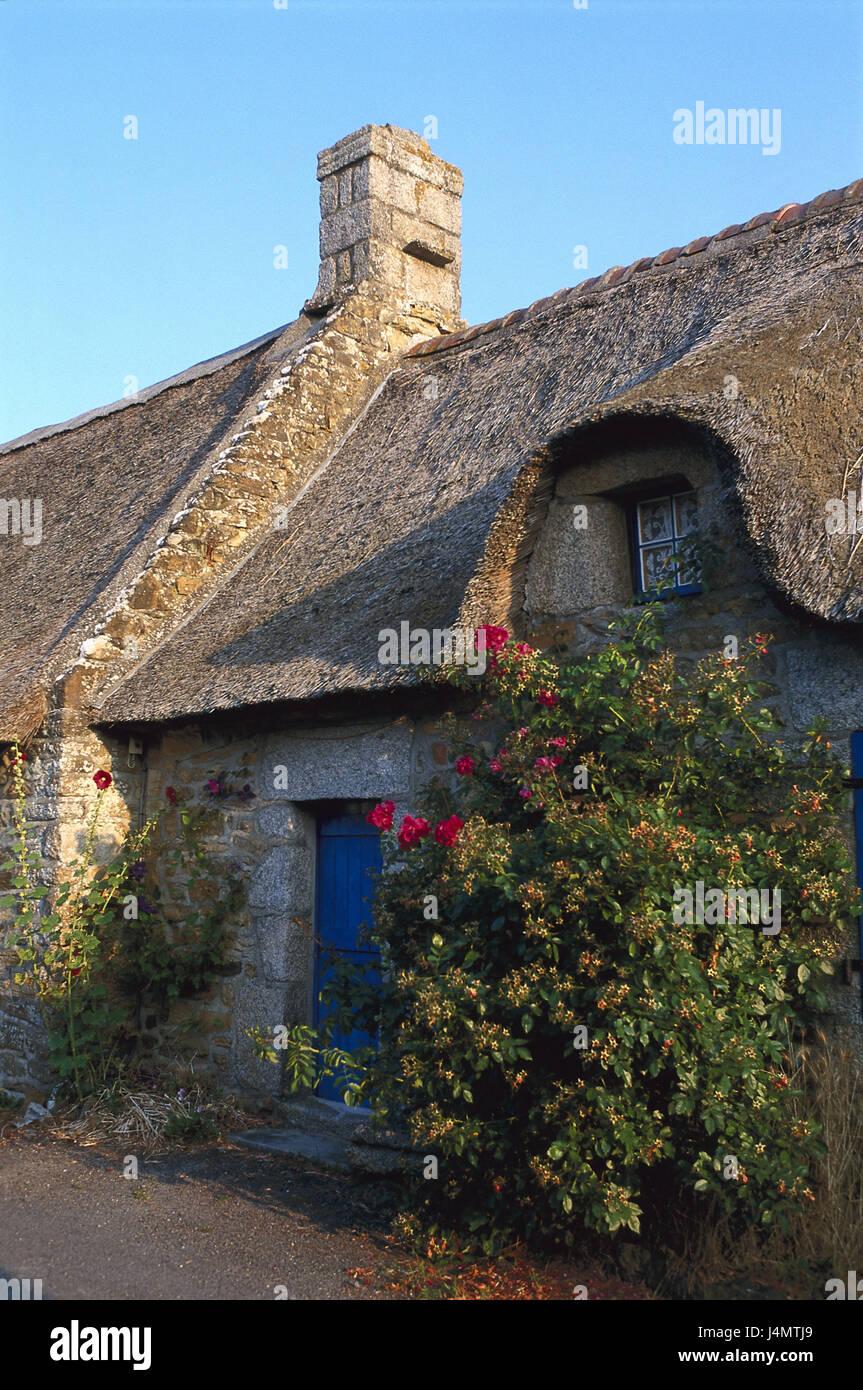 Maison Toit De France france, bretagne, maison en pierre, toit de chaume, détail l