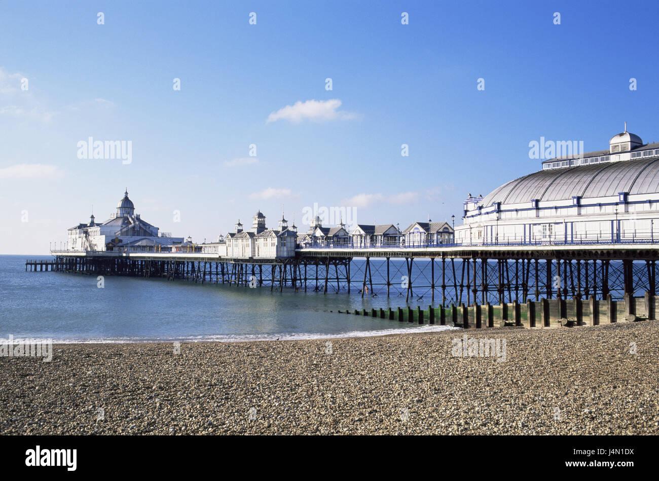La Grande-Bretagne, l'Angleterre, dans le Sussex, Eastbourne, pont sur la mer, des restaurants, des pays étroit Photo Stock
